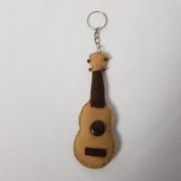 Chaveiro ukulele tradicional
